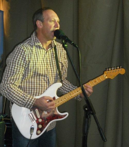 Singer/Guitarist Guy Feldman kept the crowd happy.